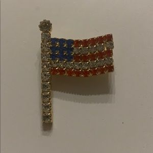Jewelry - Vintage American flag broach